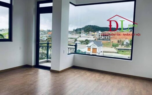 Bán nhà song lâp Nam Hồ phường 11 Đà Lạt kinh doanh tốt